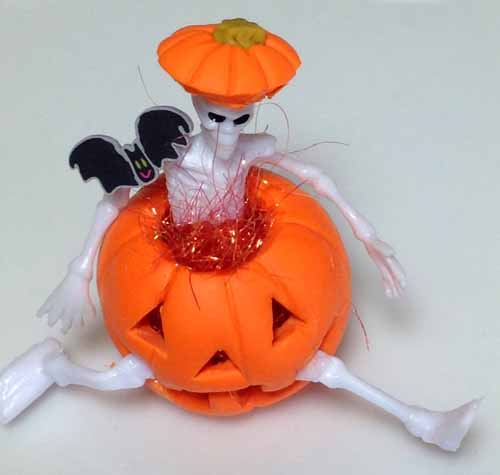 Dollhouse Miniature Skeleton Pumpkin