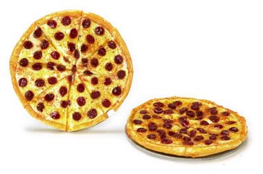 Dollhouse Miniature Pepperoni Pizza, 3Pc