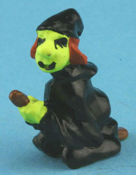 Dollhouse Miniature Witch Statue