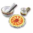 Dollhouse Miniature Reutter's Porcelain Fine Dollhouse Miniature Peach Pie Set