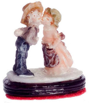 Dollhouse Miniature Kissing Couple