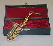 "Dollhouse Miniature 7"" Saxophone with Case"
